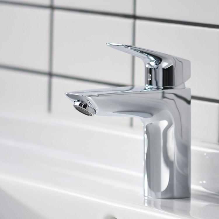 hansgrohe 71100821 logis 100 lavatory faucet. Black Bedroom Furniture Sets. Home Design Ideas
