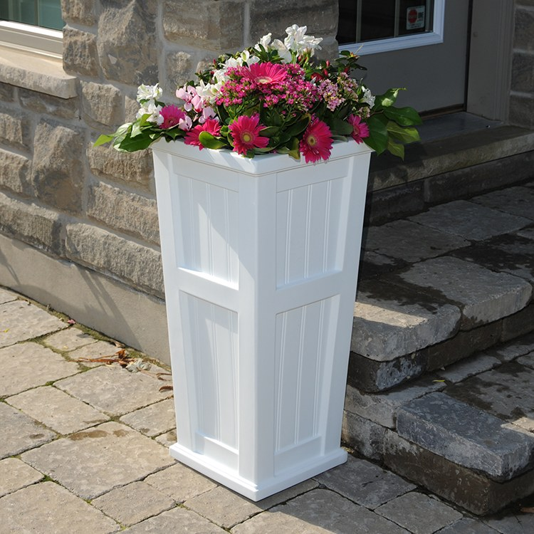 Mayne 4843 W Cape Cod Patio Planter
