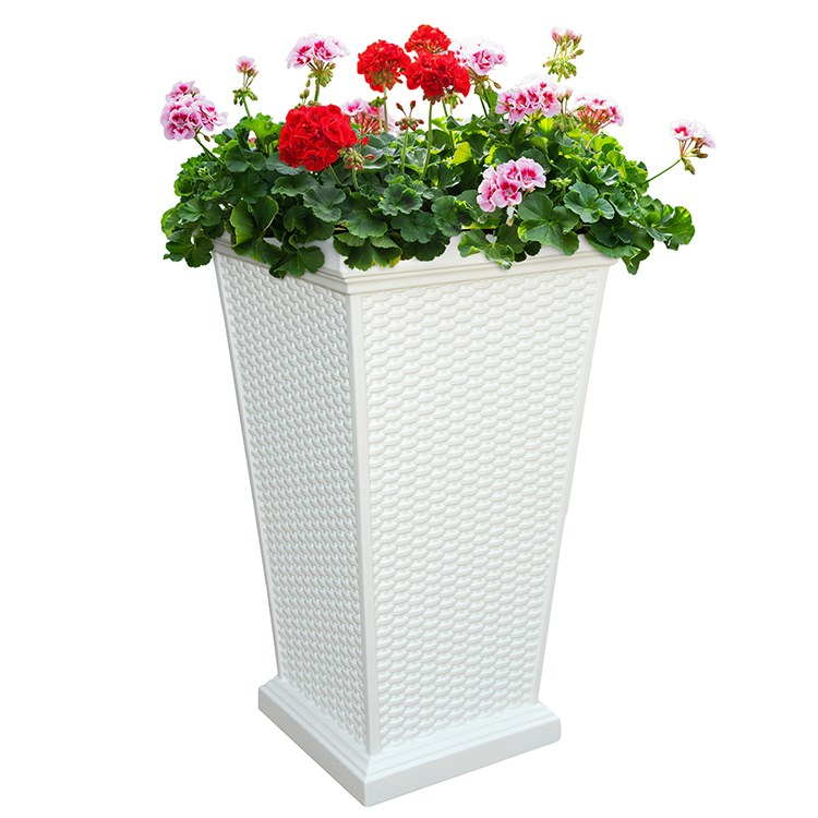 Mayne 5863 W Wellington Patio Planter