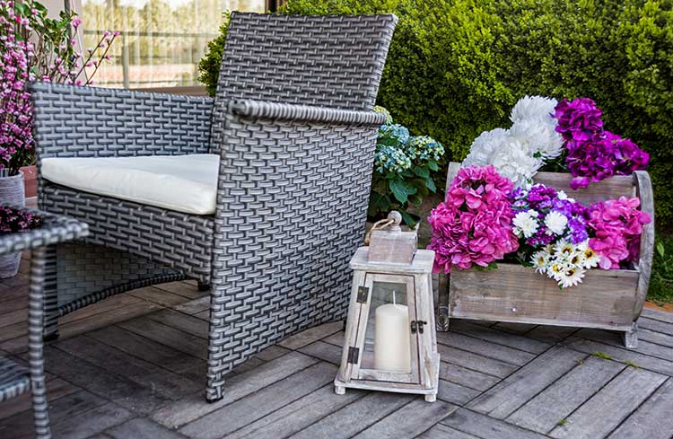 Dress up your outdoor space with a variety of accent pieces and accessories.