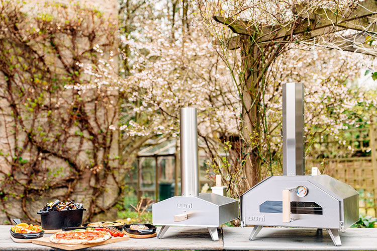 Ooni wood-fired pizza ovens are a fast, easy way to cook pizzas and other favorite foods.